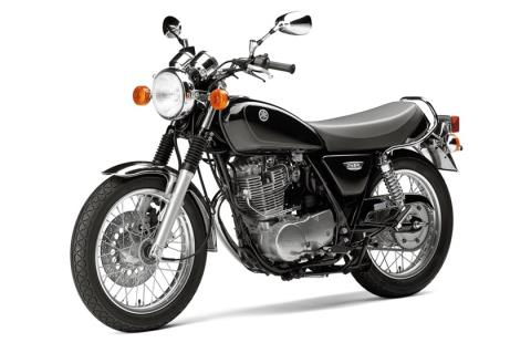 2016 Yamaha SR400 in Derry, New Hampshire
