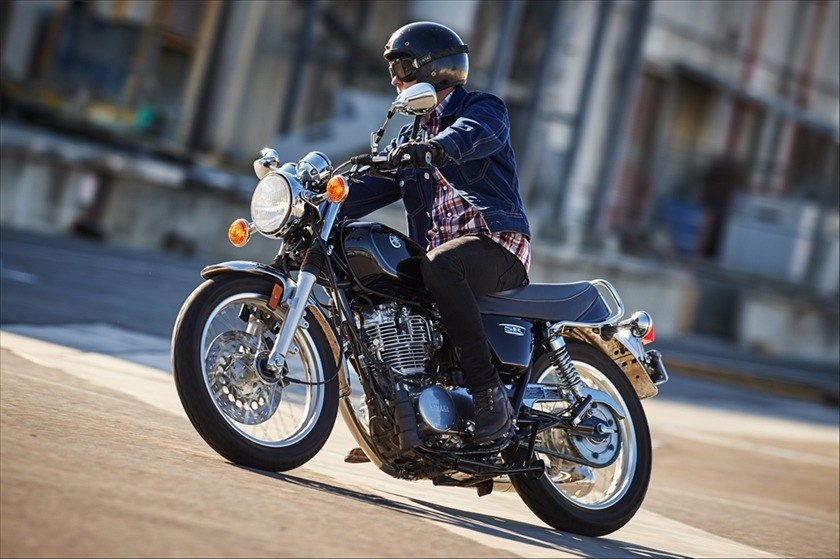 2016 Yamaha SR400 in Shelby Township, Michigan - Photo 17