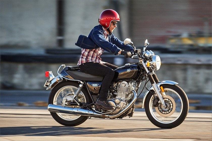 2016 Yamaha SR400 in Coloma, Michigan