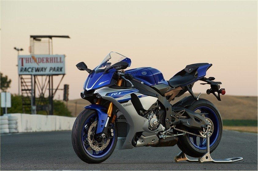 2016 Yamaha YZF-R1 in Unionville, Virginia