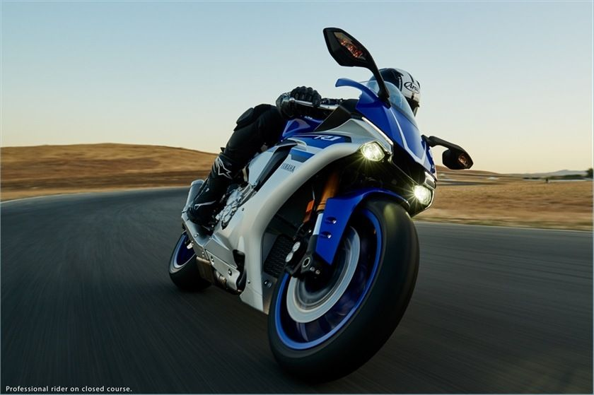 2016 Yamaha YZF-R1 in Glen Burnie, Maryland