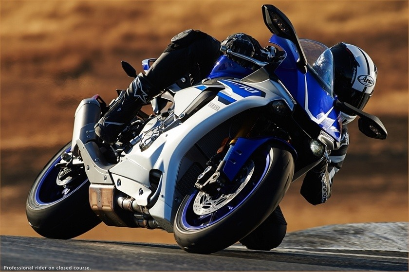 2016 Yamaha YZF-R1 in Norfolk, Virginia - Photo 16