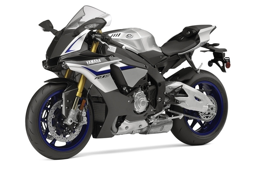 2016 Yamaha YZF-R1M in Derry, New Hampshire