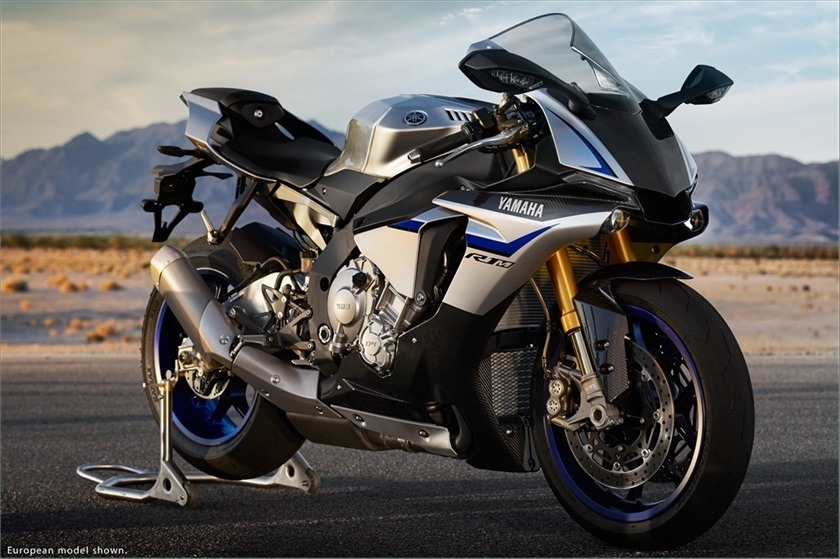 2016 Yamaha YZF-R1M in Pittsburgh, Pennsylvania