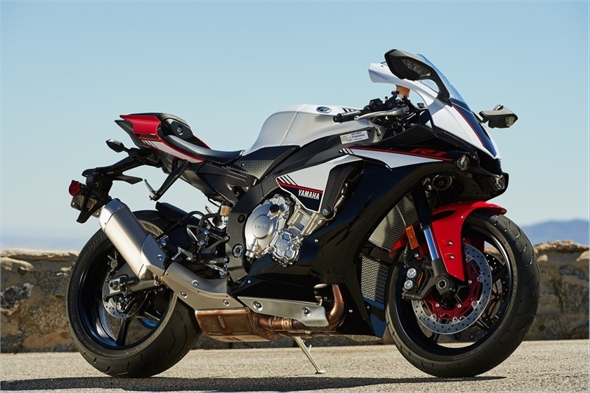 2016 Yamaha YZF-R1S in Baldwin, Michigan