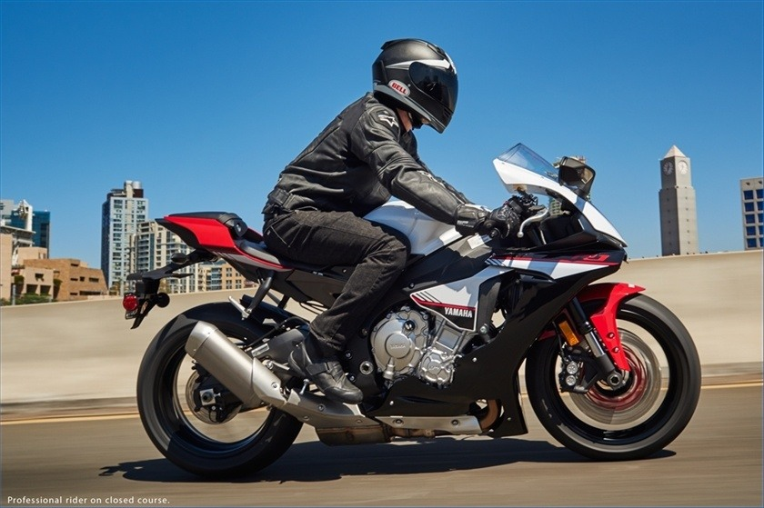 2016 Yamaha YZF-R1S in Denver, Colorado