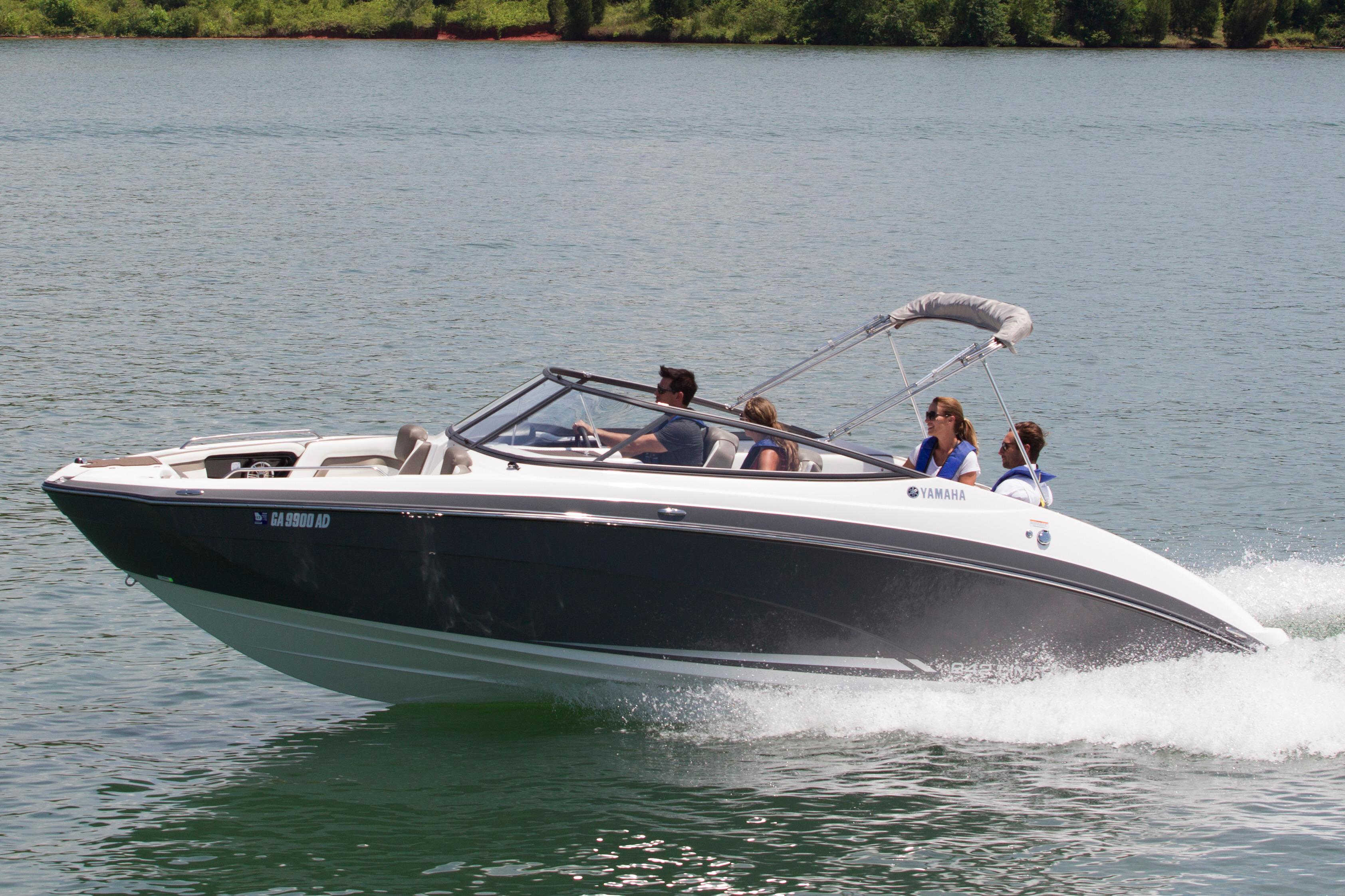 2016 Yamaha 242 Limited in North Royalton, Ohio