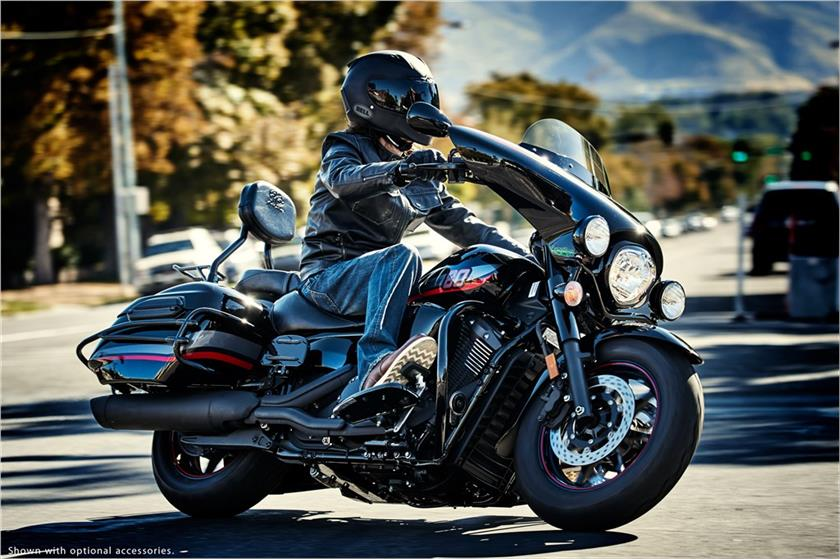 2017 Yamaha V Star 1300 Deluxe in Chesterfield, Missouri