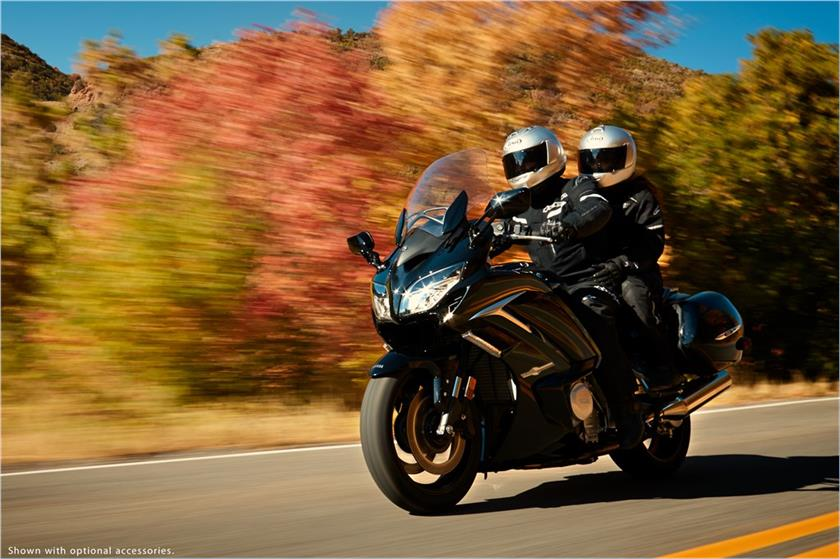 2017 Yamaha FJR1300ES in Tamworth, New Hampshire