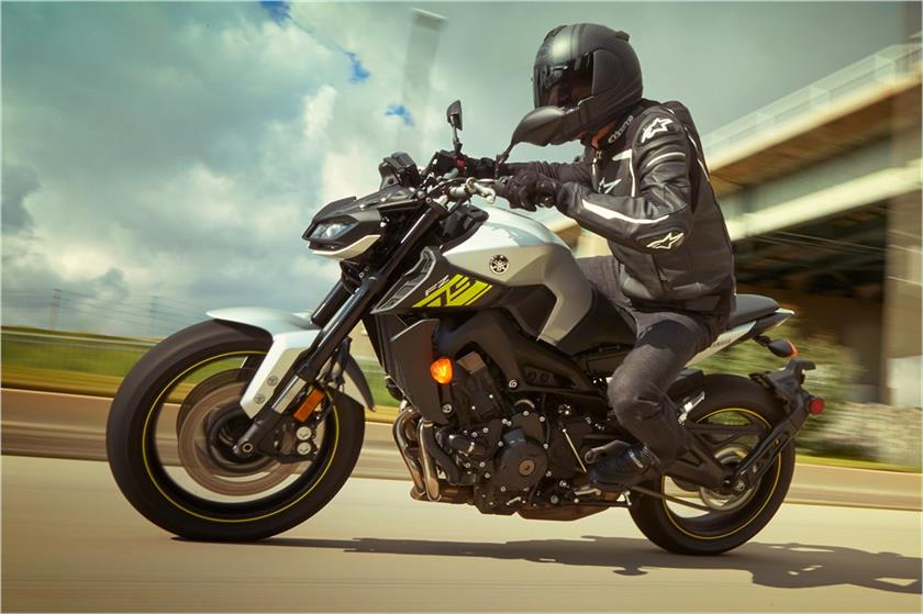 2017 Yamaha FZ-09 in Lowell, North Carolina