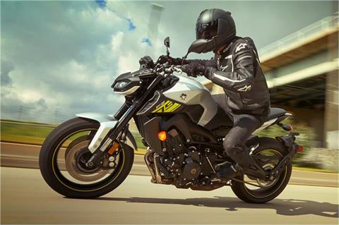 2017 Yamaha FZ-09 in Woodinville, Washington - Photo 8