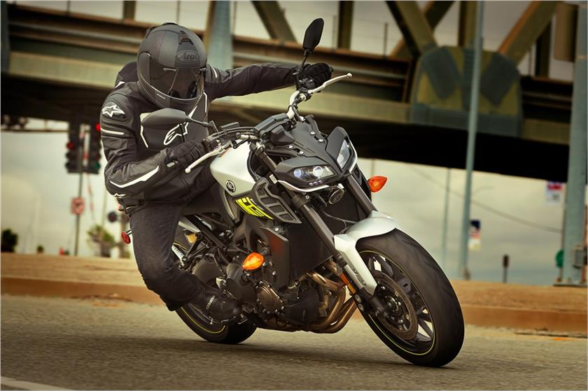 2017 Yamaha FZ-09 in Coloma, Michigan