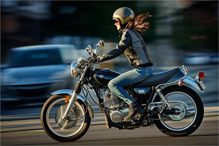 2017 Yamaha SR400 in Tamworth, New Hampshire