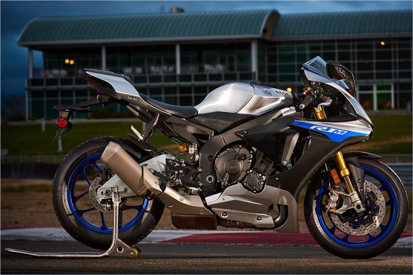 2017 Yamaha YZF-R1M in Louisville, Tennessee