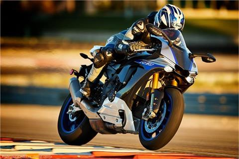 2017 Yamaha YZF-R1M in Webster, Texas