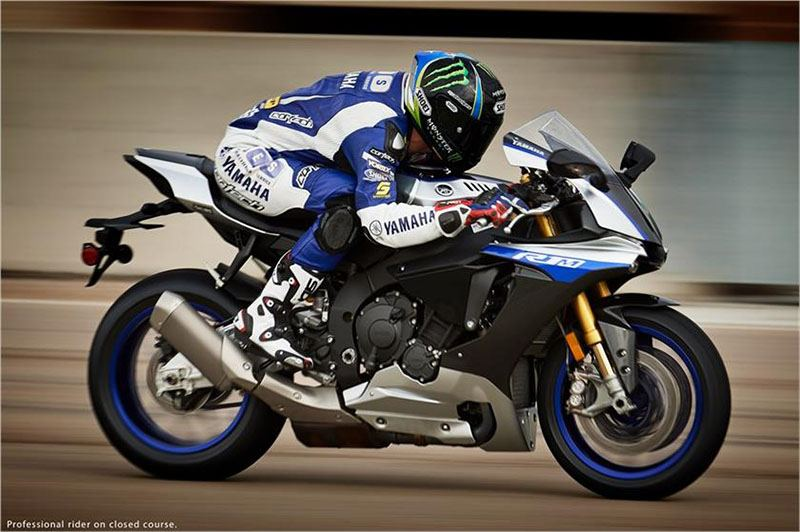 2017 Yamaha YZF-R1M in Johnson Creek, Wisconsin - Photo 10