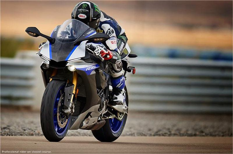 2017 Yamaha YZF-R1M in Simi Valley, California