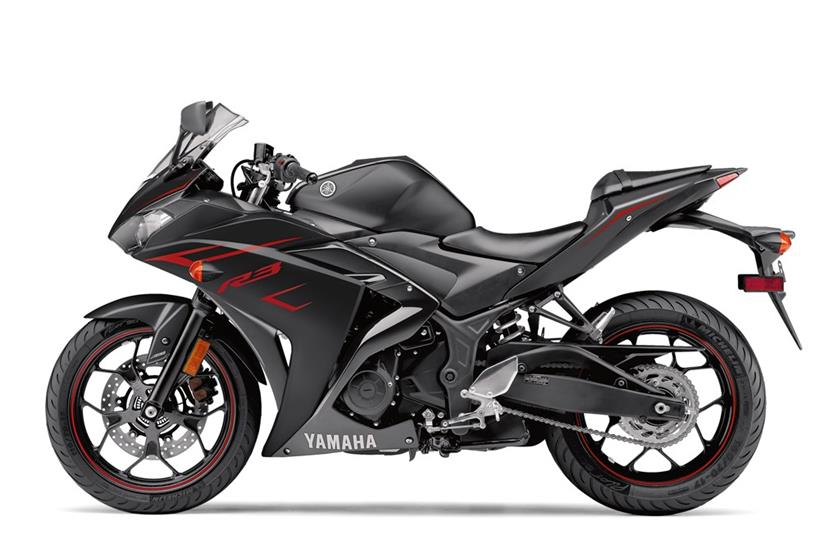 2017 Yamaha YZF-R3 ABS in Lowell, North Carolina