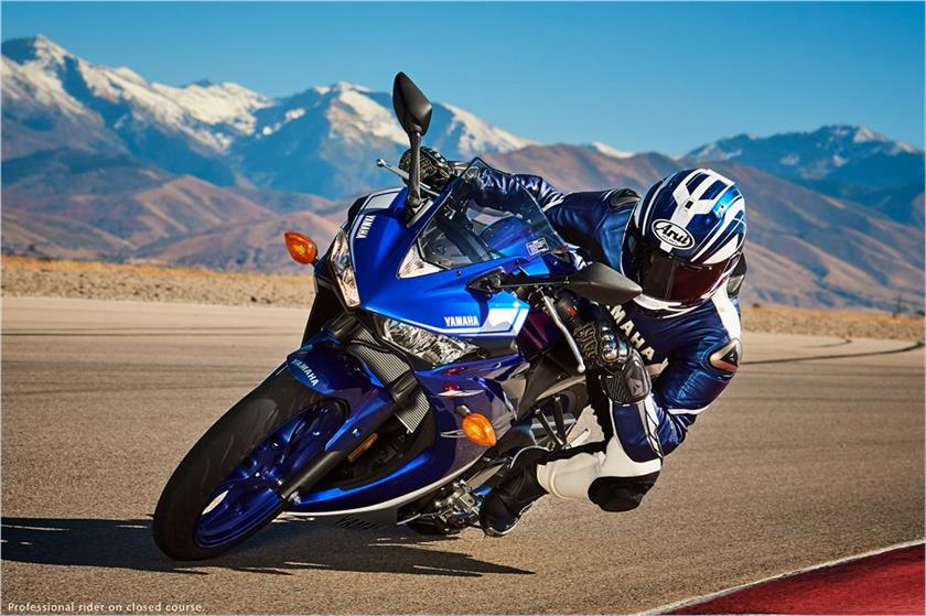 2017 Yamaha YZF-R3 ABS in Goleta, California
