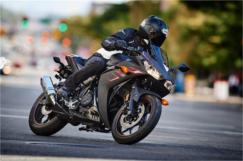 2017 Yamaha YZF-R3 ABS in Fontana, California