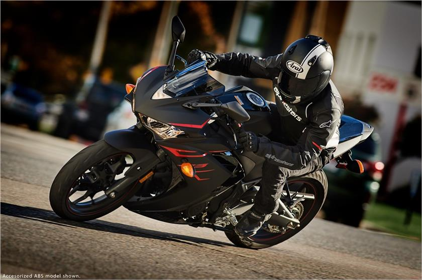 2017 Yamaha YZF-R3 ABS in Orlando, Florida