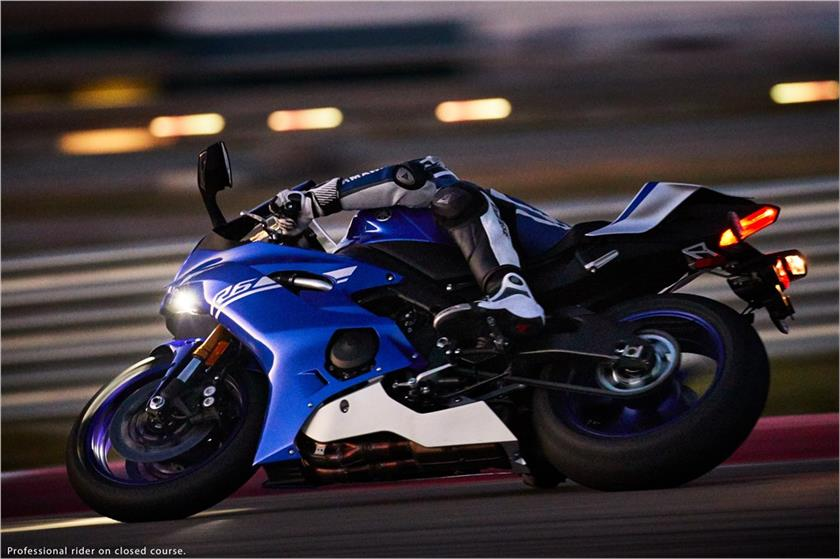 2017 Yamaha YZF-R6 in Coloma, Michigan