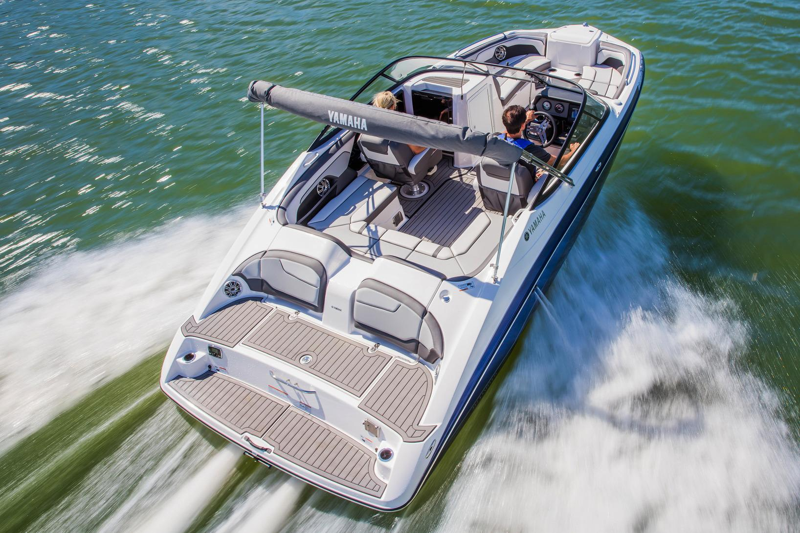 2017 Yamaha 212 Limited in Naples, Maine