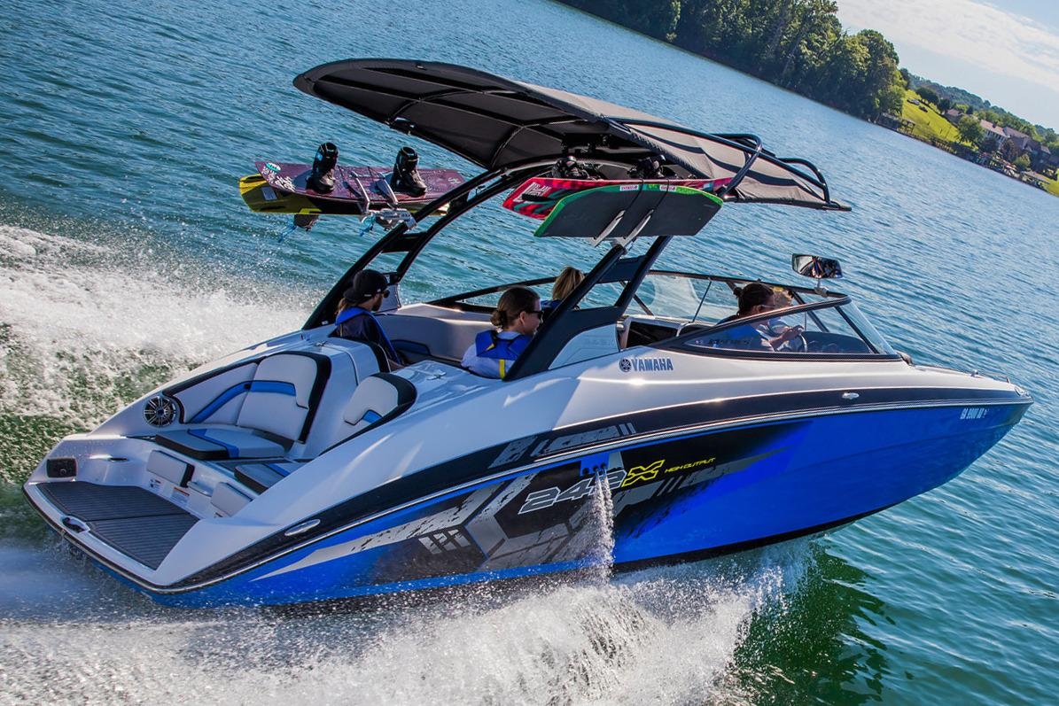 2017 Yamaha 242X E-Series in South Windsor, Connecticut