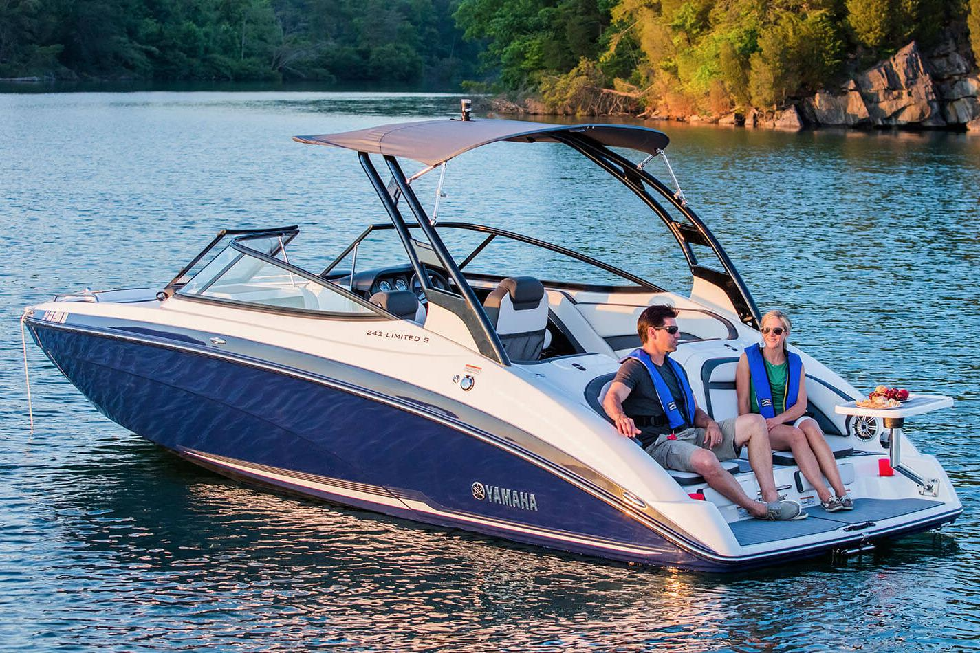 2017 Yamaha 242 Limited S in Bridgeport, New York