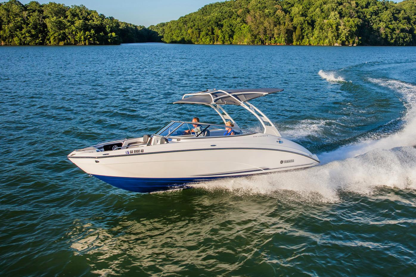 New 2017 Yamaha 242 Limited S E Series Power Boats Inboard
