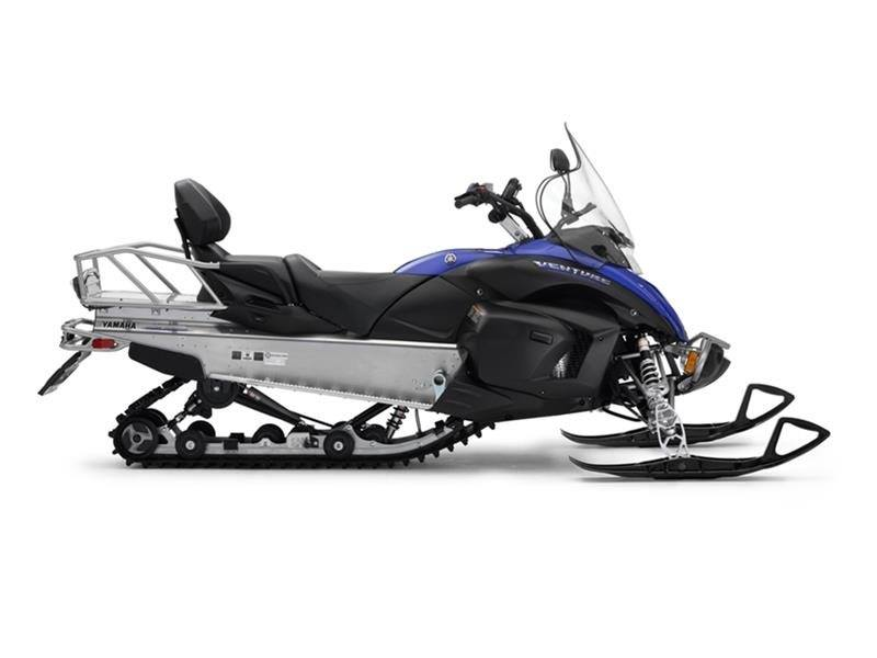 2017 Yamaha Venture MP in Appleton, Wisconsin