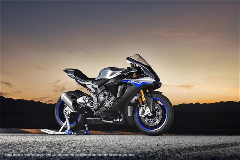 2018 Yamaha YZF-R1M in Danbury, Connecticut