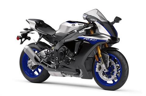 2018 Yamaha YZF-R1M in Derry, New Hampshire