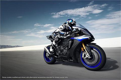 2018 Yamaha YZF-R1M in EL Cajon, California