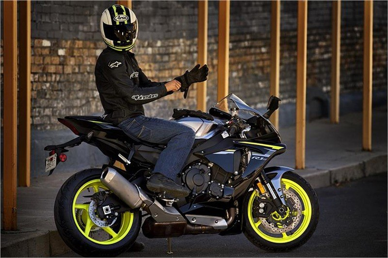 2018 Yamaha YZF-R1S in Berkeley, California