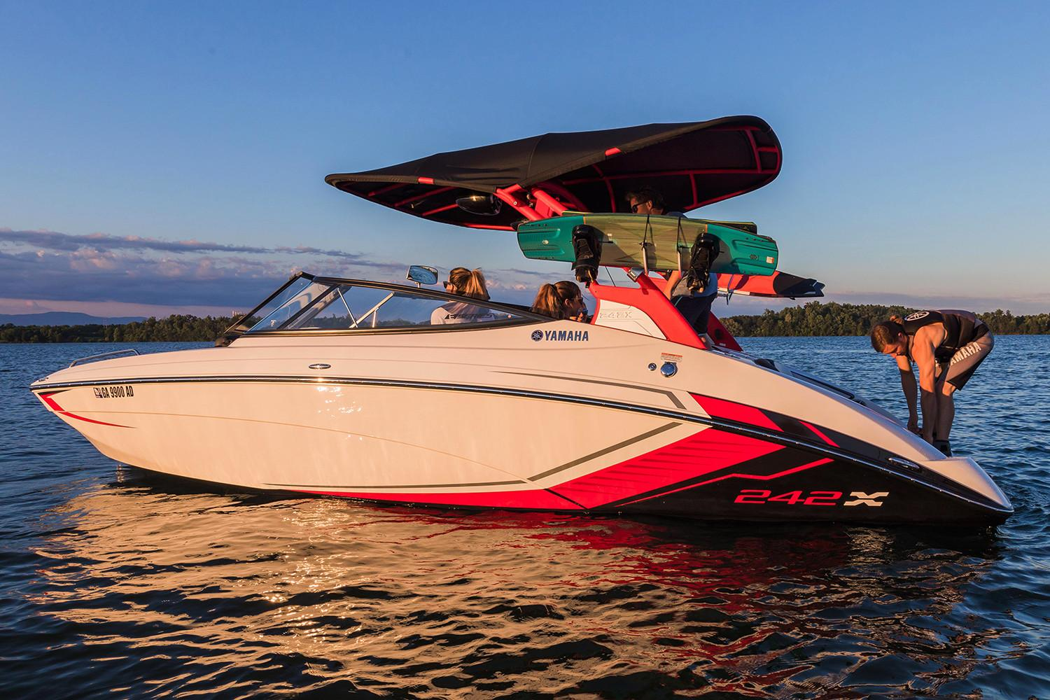 new 2018 yamaha 242x e series power boats inboard in