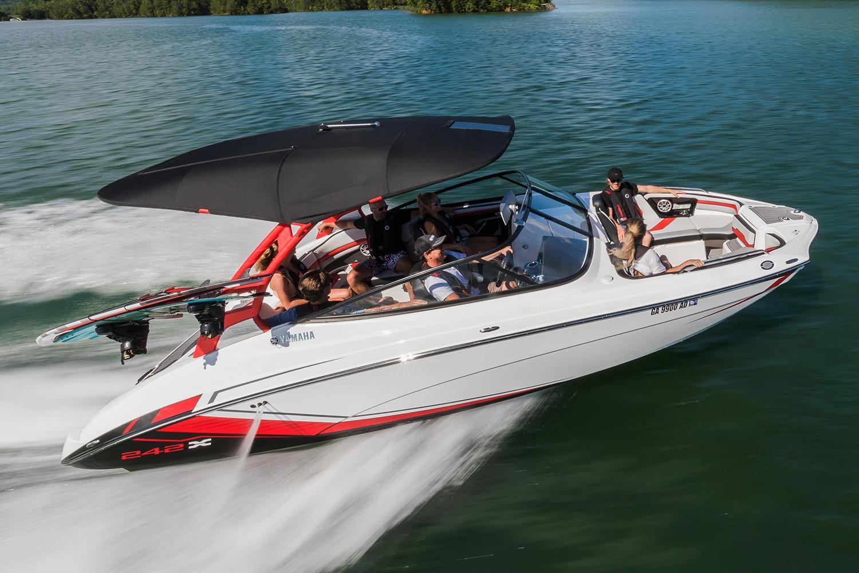 2018 yamaha 242x e series power boats inboard miami florida for Yamaha dealer miami