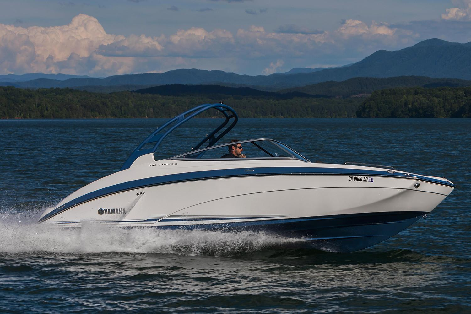 2018 Yamaha 242 Limited S in Bridgeport, New York