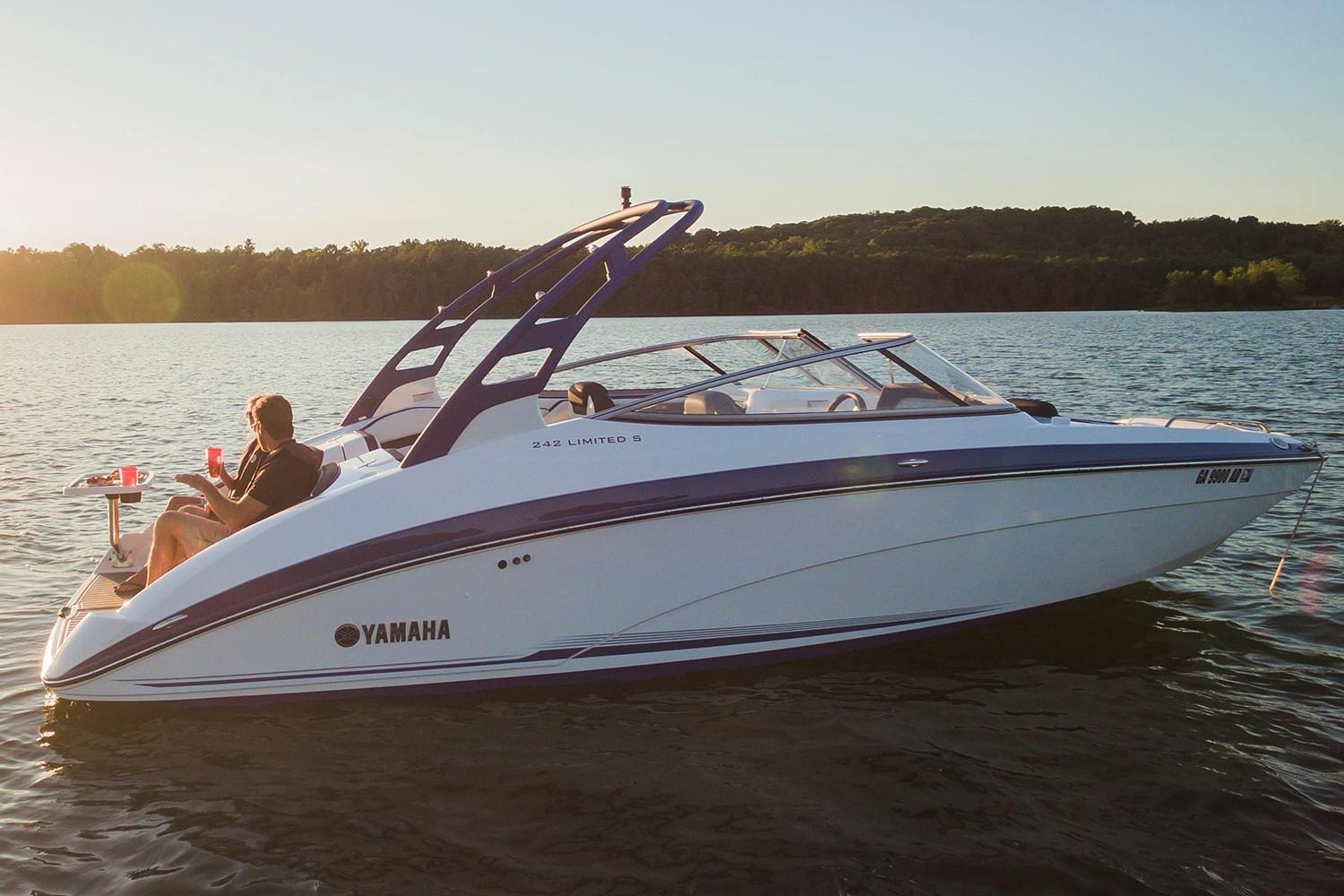 2018 Yamaha 242 Limited S in Shawnee, Oklahoma