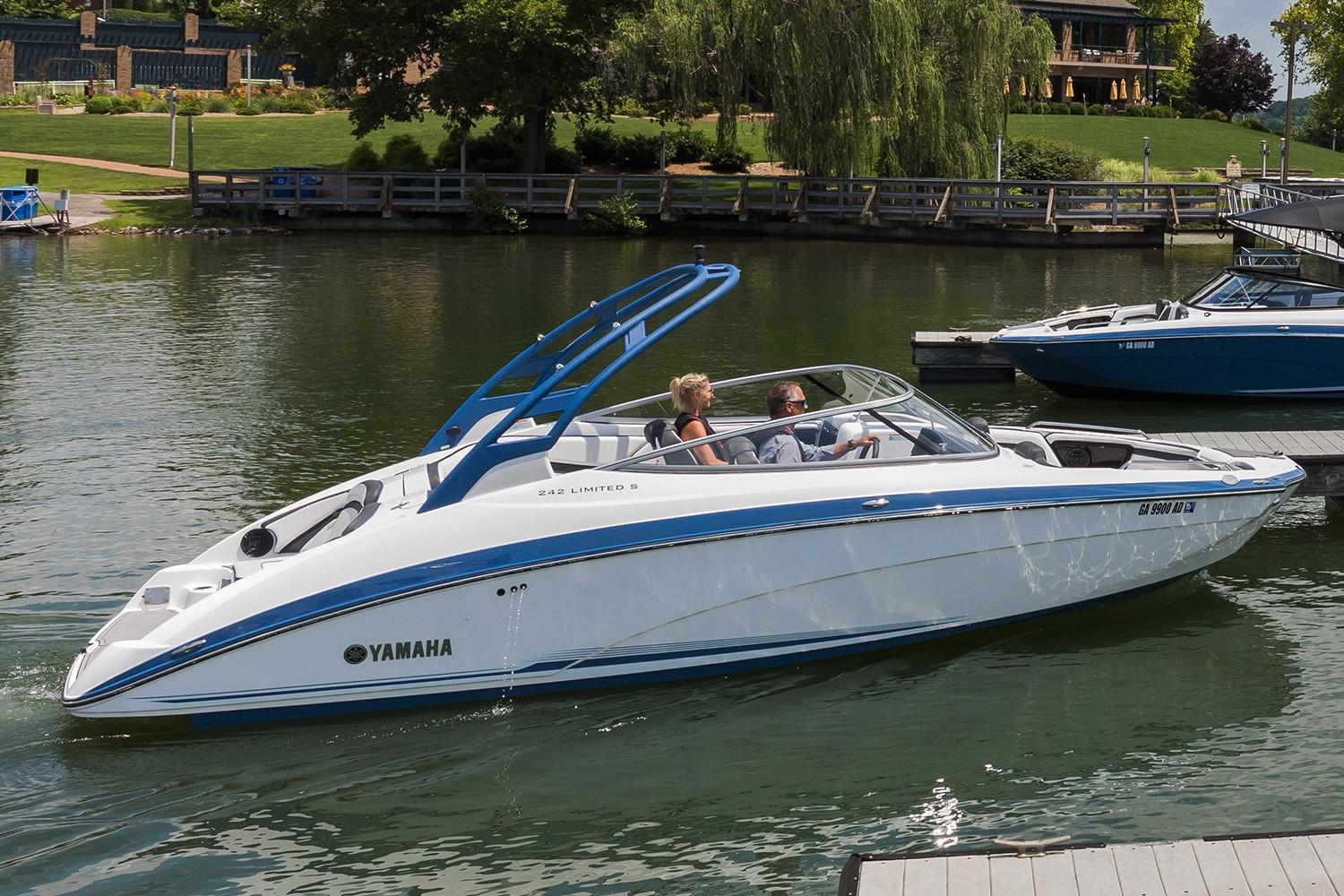 2018 Yamaha 242 Limited S E-Series in Bridgeport, New York