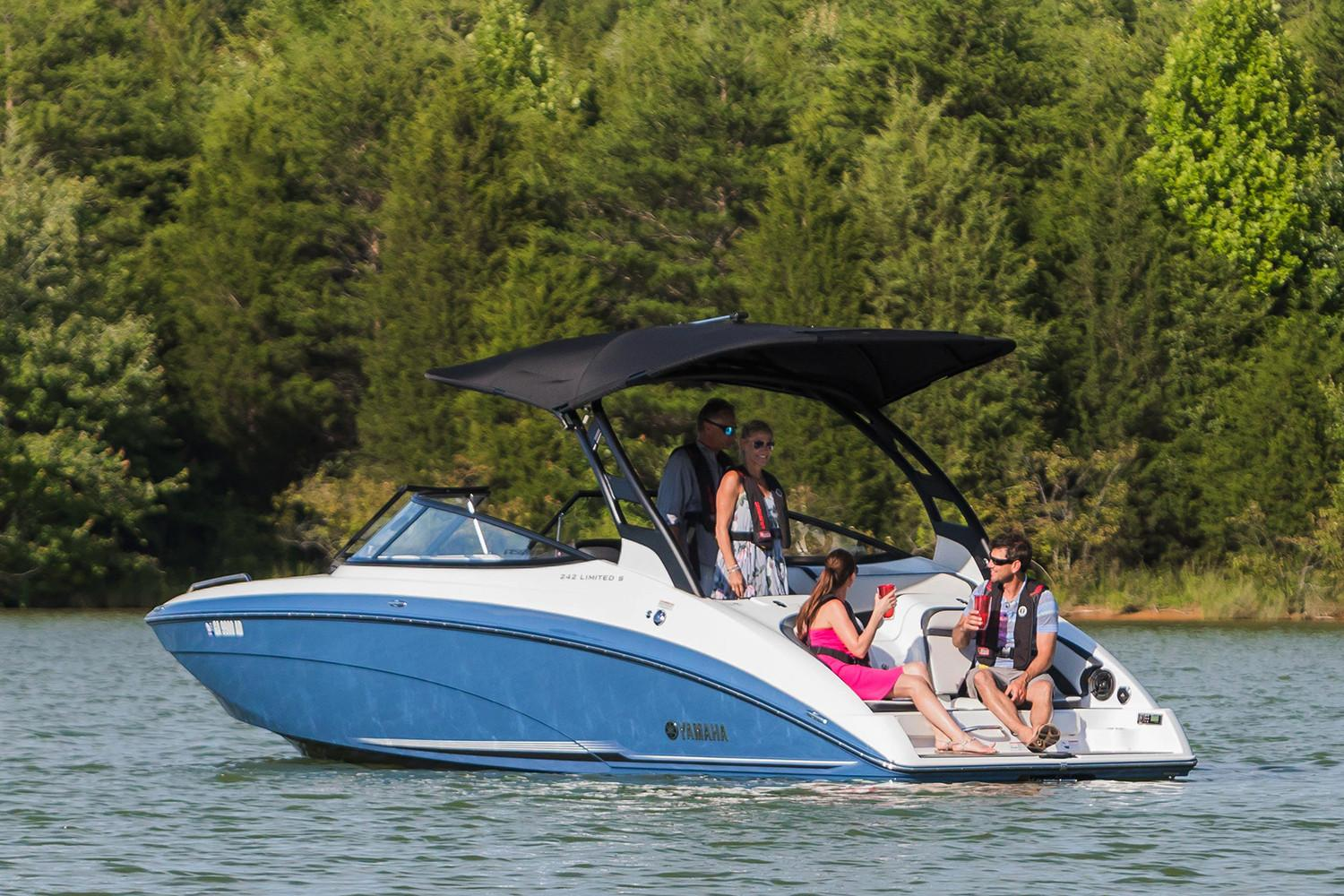 2018 Yamaha 242 Limited S E-Series in Huron, Ohio