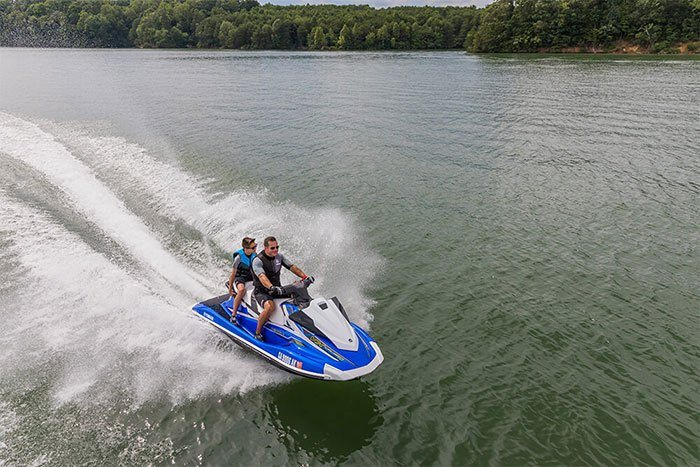 2018 Yamaha VX Cruiser HO in Superior, Wisconsin