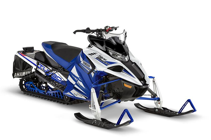2018 Yamaha Sidewinder X-TX SE 141 in Port Washington, Wisconsin