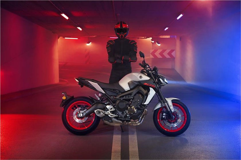 2019 Yamaha MT-09 in Lewiston, Maine - Photo 5