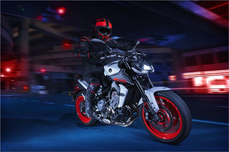 2019 Yamaha MT-09 in Lewiston, Maine - Photo 11