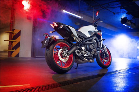 2019 Yamaha MT-09 in Modesto, California - Photo 4