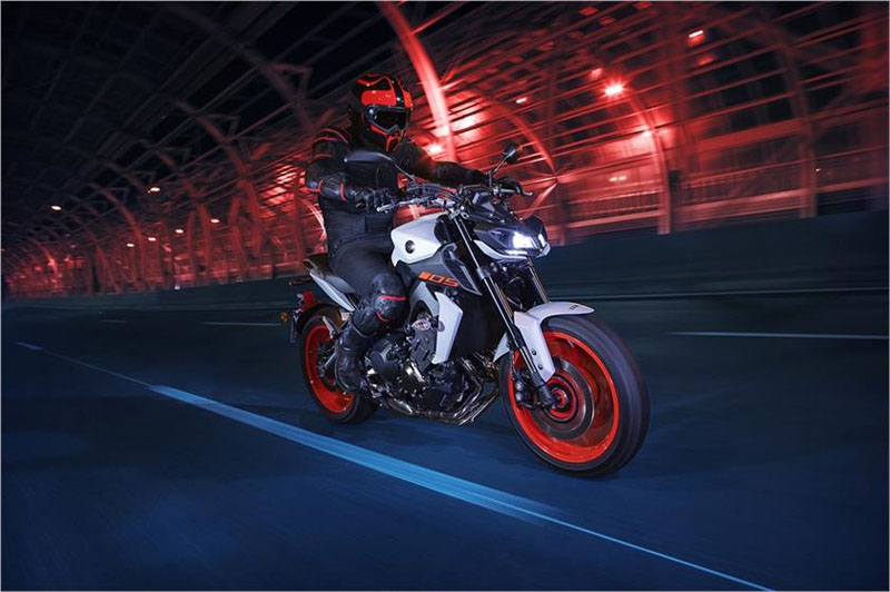 2019 Yamaha MT-09 in Berkeley, California - Photo 8