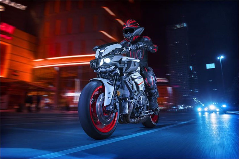 2019 Yamaha MT-10 in Metuchen, New Jersey - Photo 7