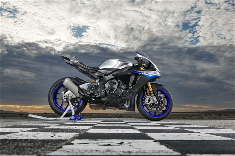 2019 Yamaha YZF-R1M in Simi Valley, California - Photo 4