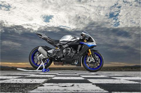 2019 Yamaha YZF-R1M in Long Island City, New York - Photo 4